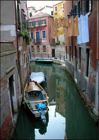 Europe Collection - Wash Day in Venice